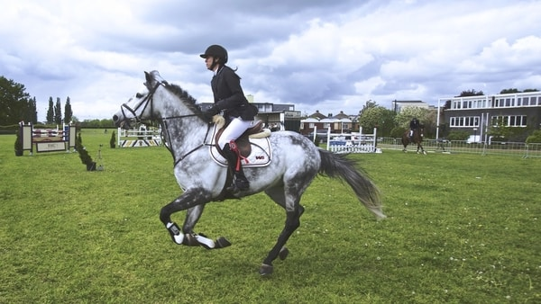 Common Horse Riding Mistakes - Squeezing Your Legs